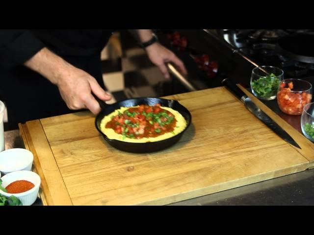 How to Make Cornbread Tamale Pie With Hormel Chili : Mexican & Southwestern Dishes