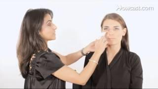 Eye Makeup: How to Remove Excess Eye Shadow from Your Face