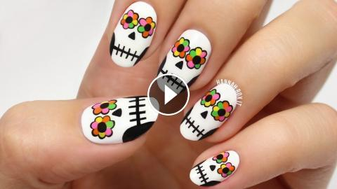 Day Of The Dead Sugar Skull Nails
